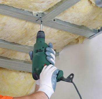 Укладка утеплителя для потолка